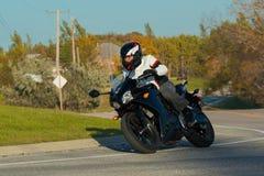 Всадник мотоцикла стоковые фотографии rf
