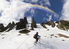 Всадник на горном велосипеде Стоковое фото RF