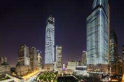 Всемирный торговый центр на панораме ночи, редакционной Стоковое фото RF