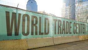 Всемирный торговый центр Нью-Йорк на земном zero- МАНХАТТАНЕ - НЬЮ-ЙОРКЕ - 1-ое апреля 2017 Стоковое Фото