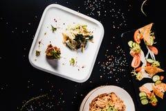 Все-азиатский обедающий Комплект обеда нескольких блюд Стоковые Изображения