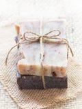 Все естественные handmade мыла баобаба и шоколада стоковые фото