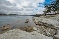 Все еще воды неусидчивого реки стоковые фото