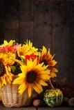 Все еще жизнь в цветах осени Стоковые Изображения