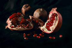Все еще жизнь с pomegranate Стоковые Изображения RF
