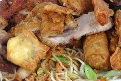 все китайцы шведского стола едят вас Стоковое Фото