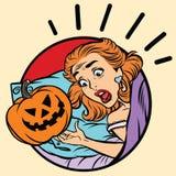 Вспугнутая девушкой тыква зла хеллоуина иллюстрация вектора