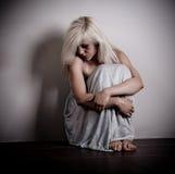 вспугнутая женщина Стоковое Фото