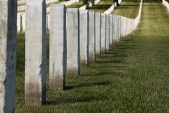 встают на сторону надгробные плиты Стоковая Фотография RF
