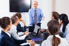 Встреча деятельности команды на проекте дела в офисе Стоковое Изображение