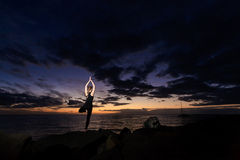 Встреча йоги лета на тропическом острове Стоковая Фотография