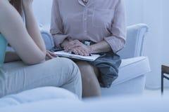 Встреча с психиатром стоковая фотография