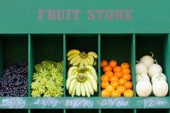 встречный магазин свежих фруктов Стоковое Фото