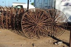 Встроенные колеса металла на механически звезд-колесе Стоковое Изображение