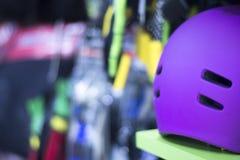 Встроенный шлем коньков ролика Стоковые Фото