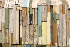 всходит на борт цветастое деревянного Стоковые Изображения