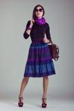 Всход журнала о моде одевает модную девушку Стоковое фото RF
