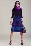 Всход журнала о моде одевает модную девушку Стоковые Изображения RF