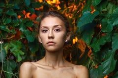 Всход портрета моды красивой предназначенной для подростков девушки Стоковое Фото