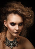 Всход студии красивой женщины с ярким составом Стоковые Фотографии RF