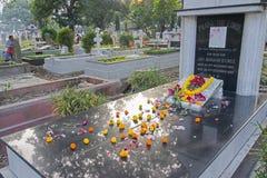 ` Вся память ` дня душ на старом кладбище Стоковое фото RF