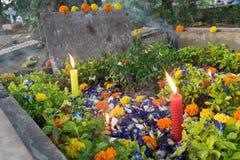 ` Вся память ` дня душ на старом кладбище Стоковая Фотография RF