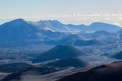 Вулканический кратер на национальном парке Haleakala на острове Мауи, Гаваи Стоковое Изображение