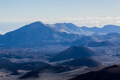 Вулканический кратер на национальном парке Haleakala на острове Мауи, Гаваи Стоковые Фотографии RF