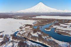 Вулкан и река стоковые изображения