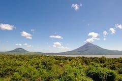 вулкан Никарагуаа momotombo стоковые изображения rf