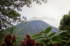 вулкан arenal стоковые изображения rf