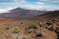 вулкан haleakala кратера стоковое изображение rf