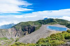 Вулкан Irazu - озеро кратера - Коста-Рика Стоковое фото RF