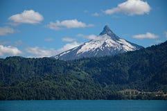 вулкан puntiagudo Чили стоковая фотография