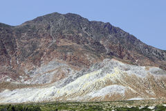 Вулканический ландшафт на острове Nisyros, Греции Стоковые Изображения