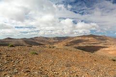 Вулканическое lanscape Панорамный взгляд на Фуэртевентуре от Mirador Morro Velosa, Фуэртевентуры Стоковые Фото