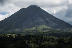 Вулкан Arenal от Ла Фортуны, Коста-Рика Стоковые Фотографии RF