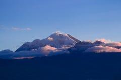 Вулкан Chimborazo на сумраке Стоковое Фото