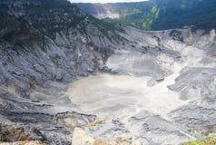 Вулкан Gunung Bartur стоковые фотографии rf
