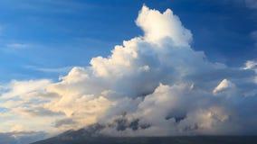 Вулкан II Mt Mayon видеоматериал