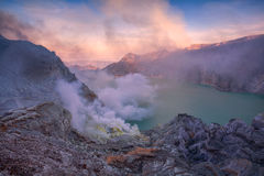 Вулкан Kawah Ijen East Java, Индонезии Стоковое Изображение RF
