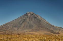 Вулкан Licancabur 5.916 метров Стоковое Изображение RF