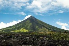 Вулкан Mayon стоковые изображения rf
