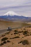 Вулкан Parinacota в Чили стоковая фотография rf