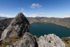 Вулкан Quilotoa озера кратер Стоковые Изображения