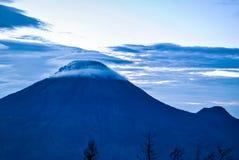 Вулкан Sindoro в центральной Ява Стоковые Изображения