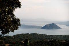 Вулкан Taal на Филиппинах Стоковая Фотография RF