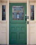 Входная дверь сбора винограда деревянная с цветным стеклом Стоковое Изображение