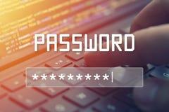 Входной сигнал пароля на запачканном экране предпосылки Защита секретности пароля Стоковая Фотография
