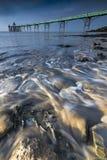 Входящий прилив на Clevedon на побережье Сомерсета Стоковые Фото